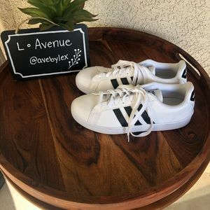 adidas Shoes - Adidas cloudfoam advantage sneaker